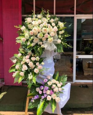 Hoa tang lễ Huế