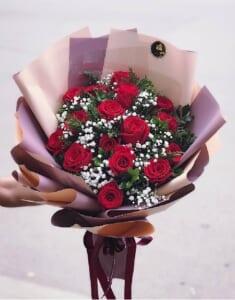 tặng mẹ hoa hồng màu gì